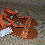 Нові яскраві сандалі next для дівчат розм. 10 28 в наявності