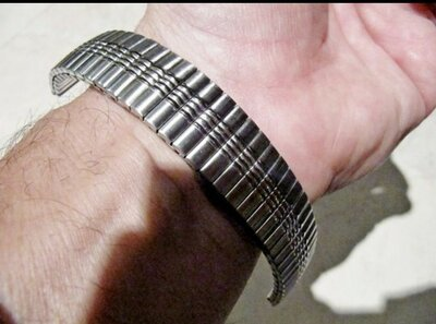 Браслет 18 мм новый, растягивающийся,нержавеющая сталь, для часов