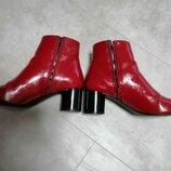 Модные ботильоны, красные ботинки
