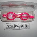 Розовые очки для плавания в чехле Slazenger