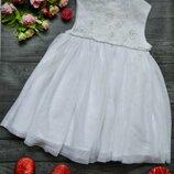 Нарядное белое платье 1.5-2года