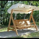 Отличные садовые качели станут любимым местом для отдыха всей семьи, ведь их размеры рассчитаны на