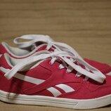 Хорошенькие комбинированные кроссовки цвета фуксии Reebok 31 р.