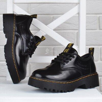 Туфли женские на платформе dr.martens style мартенсы стиль черные лакированные