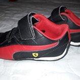 Продам кожаные детские кроссовки PUMA FERRARI