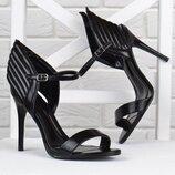 Босоножки женские на шпильке с крыльями Angel wings черные