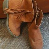 Ботинки замшевые демисезонные фирменные стелька 18,5см полусапожки