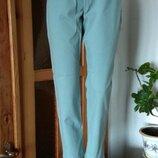 Мятные стрейчевые плотные с высокой посадкой джинсы размер l.