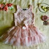 Нежно- розовое Брендовое платье. Верх расшит шелковыми лентами- цветами с золотыми пайетками.