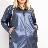 Удлиненная куртка из эко-кожи без подклада с капюшоном, длинными рукавами без манжет и декором из ре