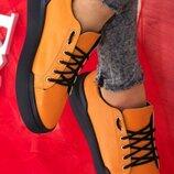 Женские натуральные кожаные оранжевые кеды Чёрная подошва Натуральная кожа Чёрные шнурки