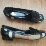 Туфли.макасины комбинированые.р.40.burberry.