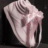 Reebok Freestyle оригинальные, стильные,кожаные невероятно крутые кроссовки