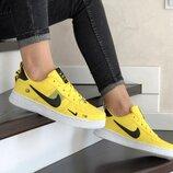 Кроссовки женские Nike Air Force yellow