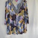 Стрейчевая нарядная кофточка/блуза с красивым вырезом 54