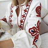 Платье с вышивкой и объемными рукавами