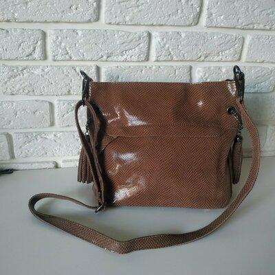 Кожаная сумка с лазерным напылением коричневая