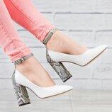 Туфли-Лодочки с ремешком