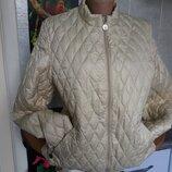 Стильная облегченная куртка Moncler