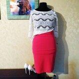 Коралловая классическая юбка со шлицей