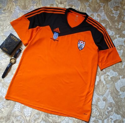 Спортивная футболка. на бирке- xl р-р