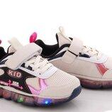 Кроссовки для девочек с подсветкой.