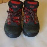 ботинки демисезонные черно-красные Vibram 31 cм стелька 19 см замш