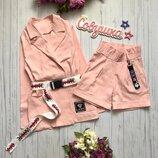 Костюмчик для девочки пиджак с шортиками