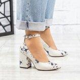 Туфли с ремешком, натуральная кожа с тиснением, бело - синие