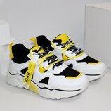 Модные женские белые кроссовки с желтыми и черными вставками