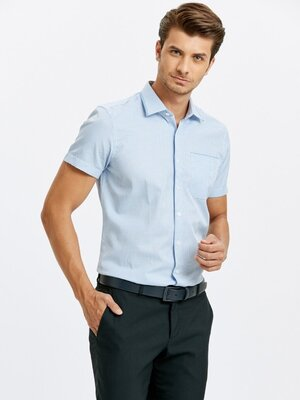Белая мужская рубашка LC Waikiki / Лс Вайкики с коротким рукавом, с карманом, в голубую клетку
