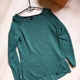 Мужской тонкий стильный фирменный джемпер зелёного цвета