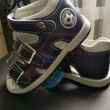 Босоніжки, сандалі, летняя детская обувь