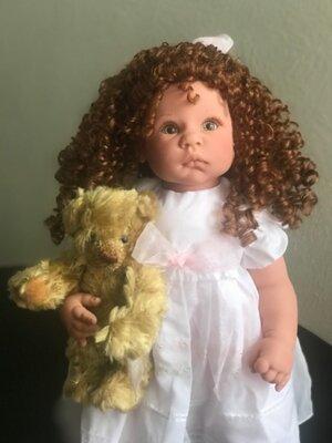 Lee Middleton Doll by Reva Schick HAPPY BIRTHDAY TEDDY