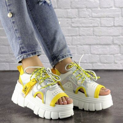 Женские стильные белые с желтым босоножки, жіночі босоніжки на танкетці, спортивные босоножки