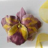 Брошь из кожи Орхидея