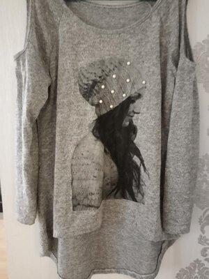 Удлиненный свитер с вырезами на плечах туника с неровными краями