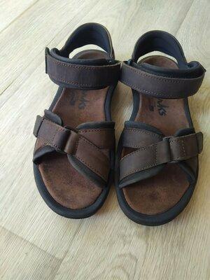 Кожаные босоножки сандалии Clarks 28см,отл.сост