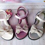 Босоножки на девочку р-р 26-31 фирма ytop розовые , белые и сереристые