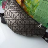 Спортивная стальная маленькая поясная сумка бананка барсетка барыжка с лазерным на пояс унисекс
