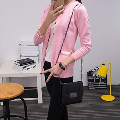 Розовый светлый кардиган на пуговицах с карманами теплая вязаная кофта с вырезом вязаная