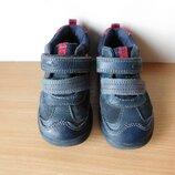 классные ботинки clarks 22 р. стелька 14,3 см. кожа