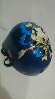 Фирменный шлем каска из Германии.