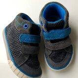 Мягкие деми ботиночки,хайтопы Clarks,21 размер,Вьетнам.