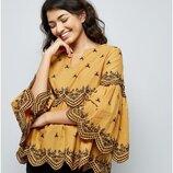 Красивенная хлопковая блуза шикарного цвета охры с вышивкой
