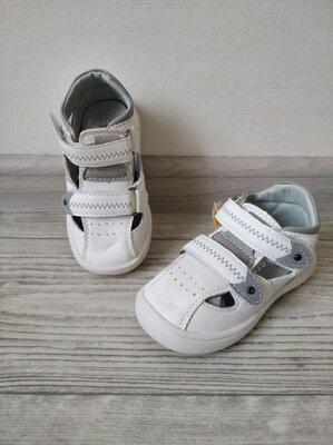 Туфли - босоножки для малышей