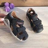 Детская летняя кожаная обувь. Детские босоножки бренда для мальчиков
