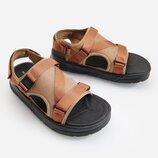 Новые треккинговые сандалии Reserved