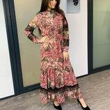 Сногсшибательное нарядное платье макси в нереально красивый принт с кружевом воланом