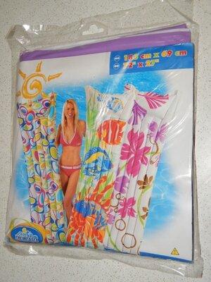 Пляжный надувной матрас Intex 59720. Сиренево-Белого цвета, 183 х 69 см.